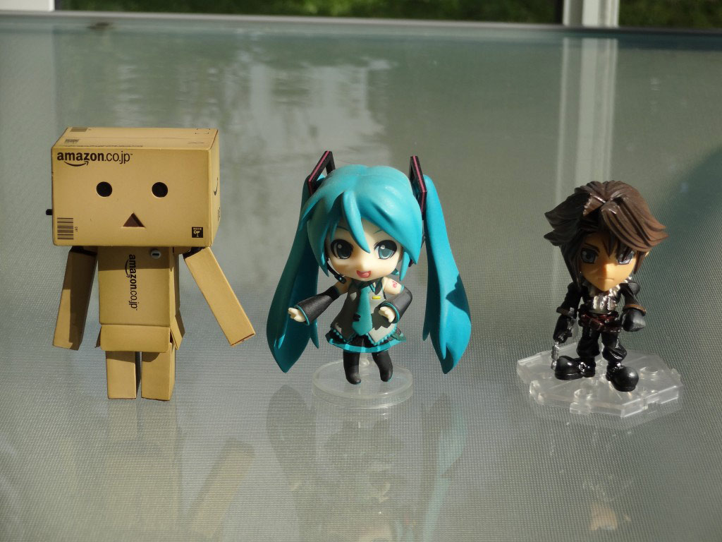Yotsuba&! Danbou Amazon Edition Nenoroid Petite and Arts Kai Mini Comparison